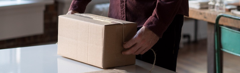 Jak zwrócić towar kupiony online za granicą?