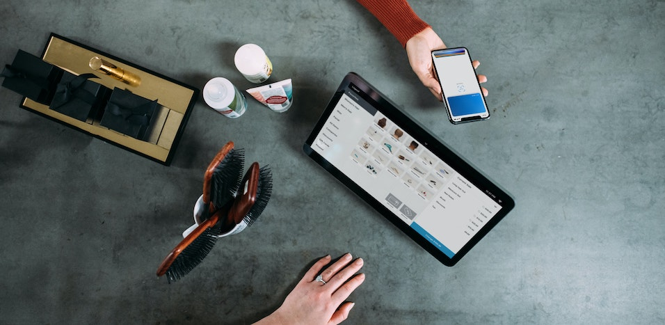 Tani kurier – podstawa w sklepie internetowym