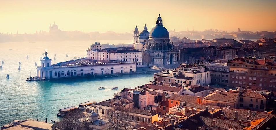 Firmy kurierskie wstrzymują transport do niektórych regionów Włoch